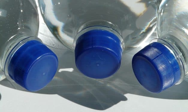 Flaschendeckel gegen Kinderlähmung